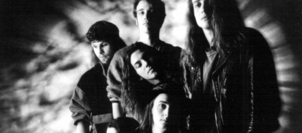 Temple Of The Dog: Chris Cornell, Matt Cameron, Stone Gossard, Mike McCready, Jeff Ament e Eddie Vedder, na fase pré-Pearl Jam