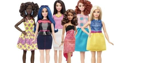 New range of curvy 'Barbie Dolls'. Image source-google free image.