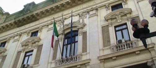 Ultime notizie scuola, venerdì 22 luglio 2016: Pino Turi della Uil attacca il Miur