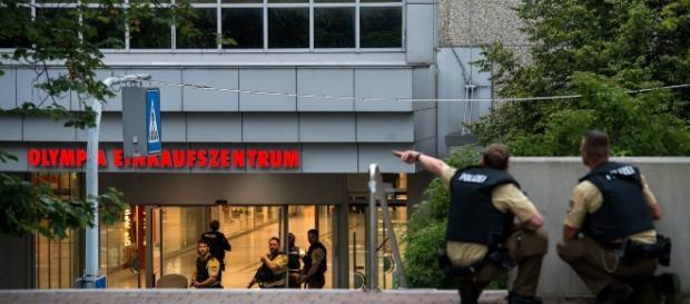 La policía alemana custodia el lugar en el que comenzaron los disparos