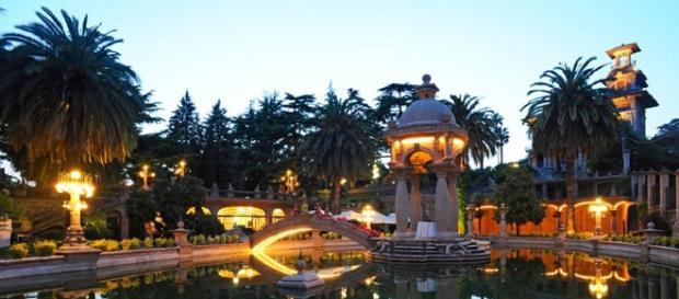 Veduta serale del parco di Villa Grock