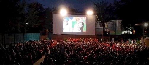 La bombilla, Festinal, Cine de verano