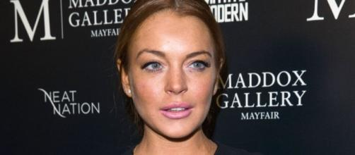 Lindsay Lohan Deletes Brexit Tweets After Flurry of Posts ... - hollywoodreporter.com