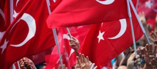 Turkey fires tens of thousands in coup plotters hunt | World News ... - usnews.com