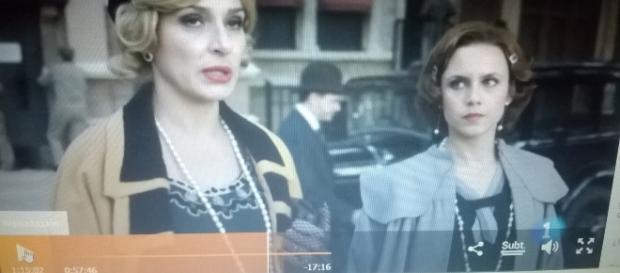 Escena de 'El Ministerio del Tiempo', en el capítulo que viajan a Nueva York para encontrarse con el ilusionista Houdini.
