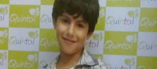 Menino de 8 anos é espancado em assalto e morre