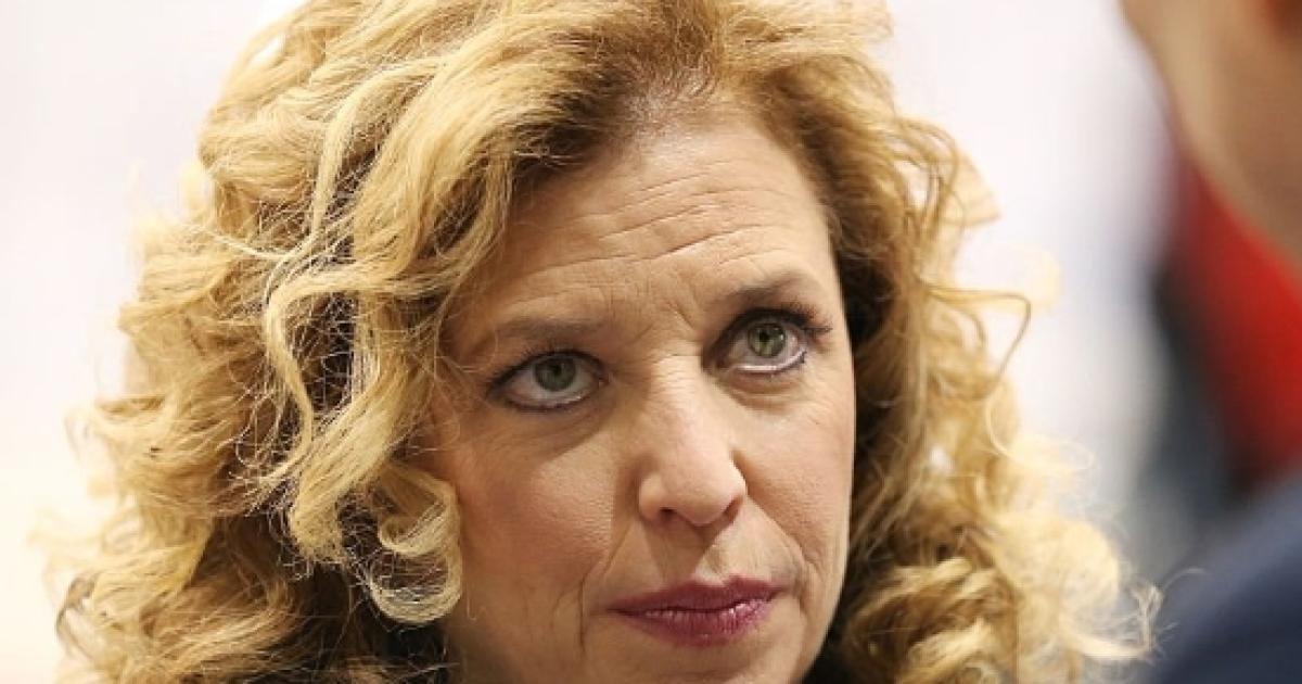 Debbie Wasserman Schultz resigns as DNC Chair under pressure