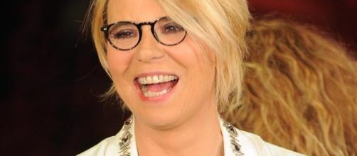Maria De Filippi, zigomi rifatti? scoppia il caso sul web ... - newsitaliane.it
