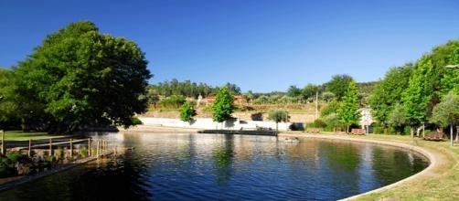 Praia Fluvial do Mosteiro situa-se no concelho de Pedrógão Grande