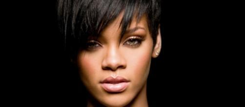 Rihanna-2014-Face-1024×640 – PrettyStatus - prettystatus.com