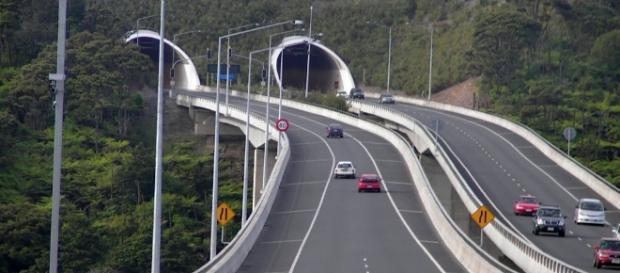 http://www.oradesibiu.ro/2016/07/05/traseul-autostrazii-sibiu-pitesti-se-stie-pe-unde-vor-trece-inca-aproape-20-de-kilometri/
