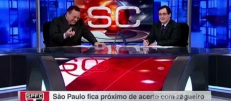 Apresentador teve uma crise de riso, ao vivo (Foto: Reprodução/ESPN)