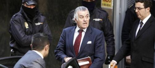 En el 2010, Bárcenas fue imputado por corrupción dentro del PP