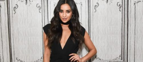 Pretty Little Liars Star Shay Mitchell Returning To Present - much.com