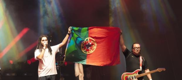Bloco do Caos agradecendo a Portugal - Laurus Nobilis Music 2016