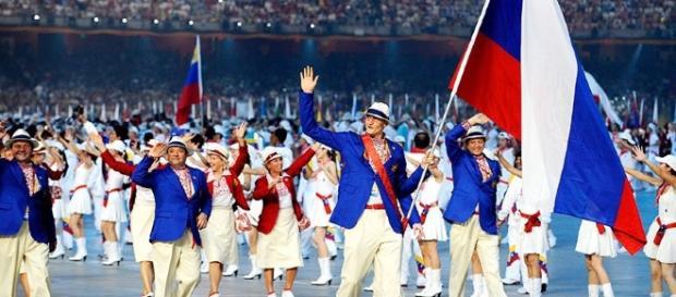 """Las federaciones deportivas internacionales iniciaron el proceso de """"selección"""" de los deportistas rusos en vísperas de los JJOO de Río"""