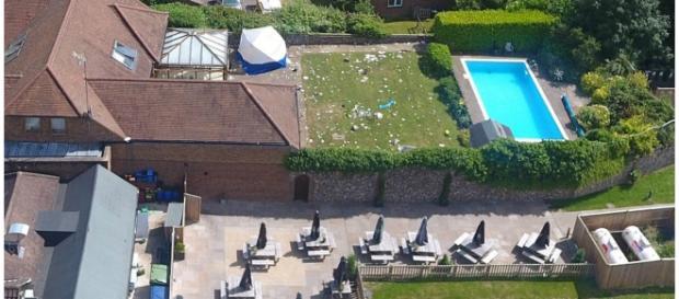 Mansão com piscina está avaliada em um milhão de libras