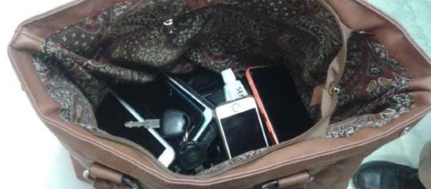 Criminosos roubaram celulares, carteiras e chaves de carros