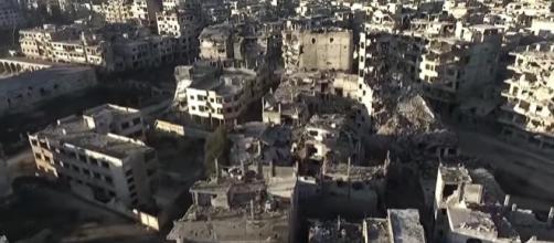 Aérea: tomas de muestra total devastación Drone en Homs , Siria