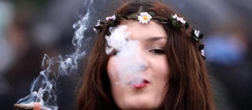 """Italia cannabis social club"""": duecento parlamentari sfidano il ... - today.it"""