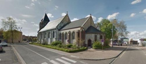 ÚLTIMA HORA: un sacerdote y un feligrés degollados en el asalto terrorista a una iglesia