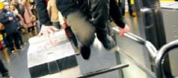 Cartella Equitalia per chi non paga il biglietto in autobus e metro.