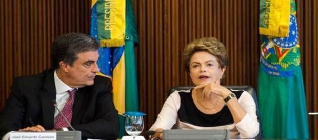 Dilma Rousseff luta para reassumir Presidência da República (Foto: Jornal Correio do Brasil)