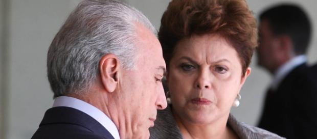 """Temer, o """"aliado que virou inimigo"""" de Dilma, diz jornal americano"""