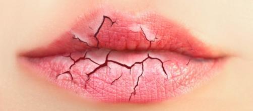 10 remedios caseros para sanar unos labios secos o agrietados - mensandbeauty.com