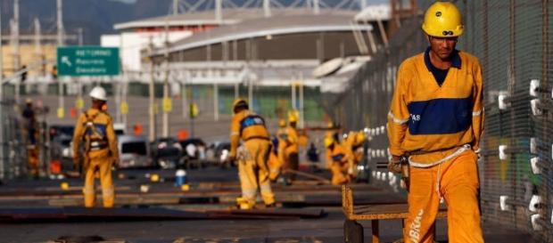 A 3 semanas dos Jogos, Rio ainda está em obras (Foto: Exame)