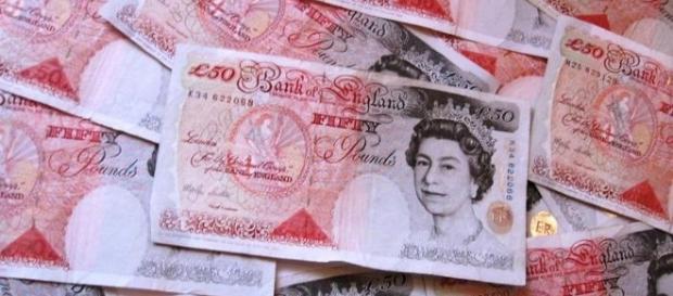 Salariile reale au scăzut în Marea Britanie în perioada 2007-2015