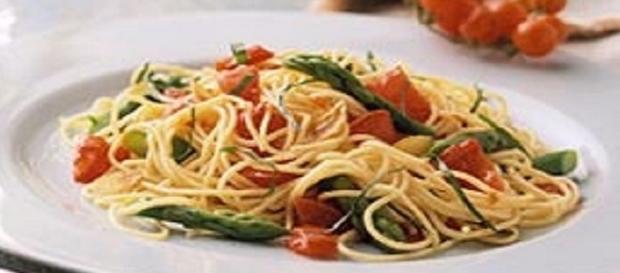Spaghetti agli asparagi selvatici: la ricetta e le proprietà curative