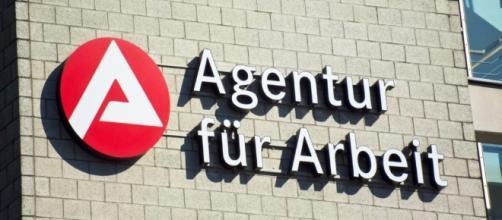 ogni giorno cittadini tedeschi e immigrati vengono messi a dura prova dalla burocrazia tedesca