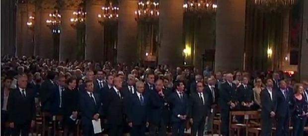 Hollande en la misa en memoria del sacerdote de Normandía Euronews
