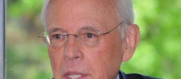 john dean false perjury charges against hillary clinton are outrageous
