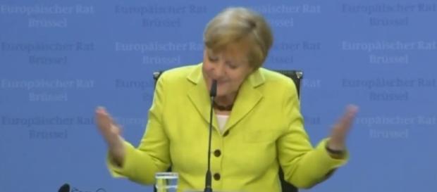 la Cancelliera tedesca Angela Merkel in conferenza stampa annuncia l'attuazione di un piano B