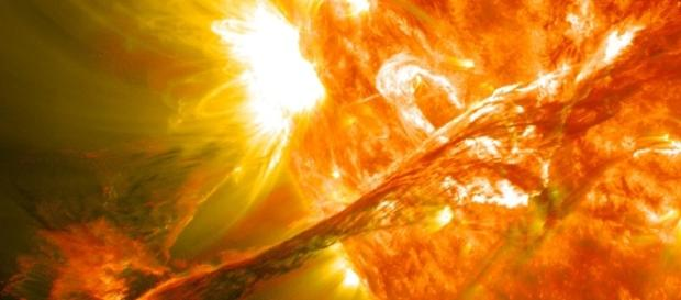 Strong Solar Flare From Sun's Heart-Shaped Sunspot Temporarily ... - techtimes.com