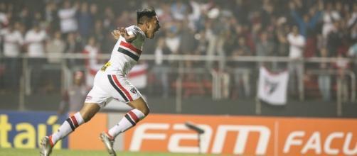 Chávez faz seu primeiro gol no tricolor