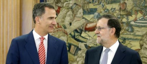 Felipe VI y Mariano Rajoy tras el encuentro de este jueves