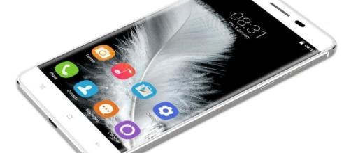 Oukitel K6000 un des smartphones du chinois Oukitel.