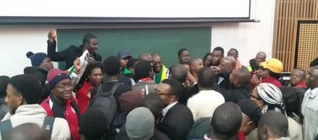 After lecture @PastorEvanLive gets swarmed by attendants who want to meet him #ThisFlag. Photo screencap via Nasya Smith @NasyaSmith_SA Twitter