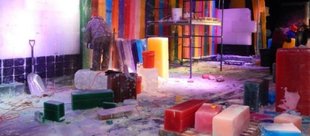 Chinese artisans come from Harbin to work in Ice! at the Gaylord Palms. (Photo by Barb Nefer)