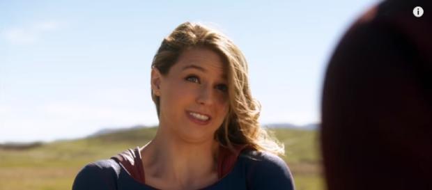 Supergirl will see The Flash again (YouTube/https://youtu.be/wIEBIDjOgOU)