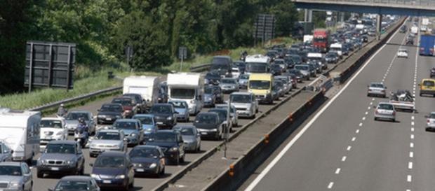 Traffico in autostrada: fine settimana di luglio drammatico