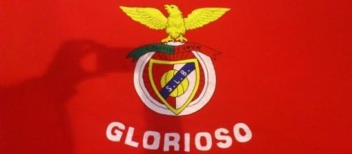 O Benfica surpreendeu os fãs ao mostrar novo equipamento através das redes sociais.