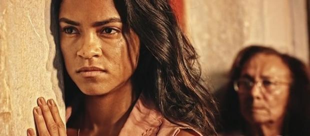 Piedade coloca Luzia contra a parede (Divulgação/Globo)