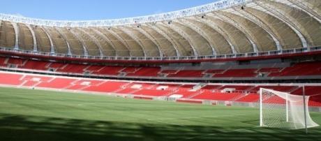 No Beira-Rio jogam Inter x Corinthians, um dos principais duelos da rodada.