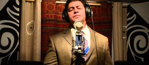 Faleceu devido a uma doença degenerativa e desconhecida, o cantor Adilson Lopes interprete das canções Paz no Vale e Grandioso És Tu.