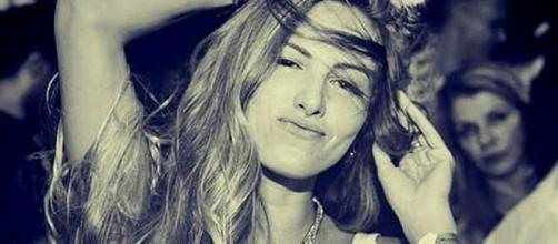 Modelo Aline Pereira de Godoi Furlan foi vista saindo de bar em Piracicaba (Foto: Reprodução/Facebook)