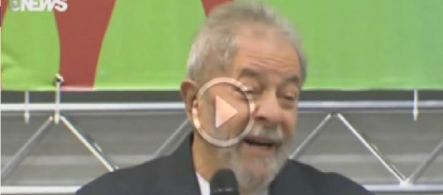 Lula faz deboche da Polícia Federal